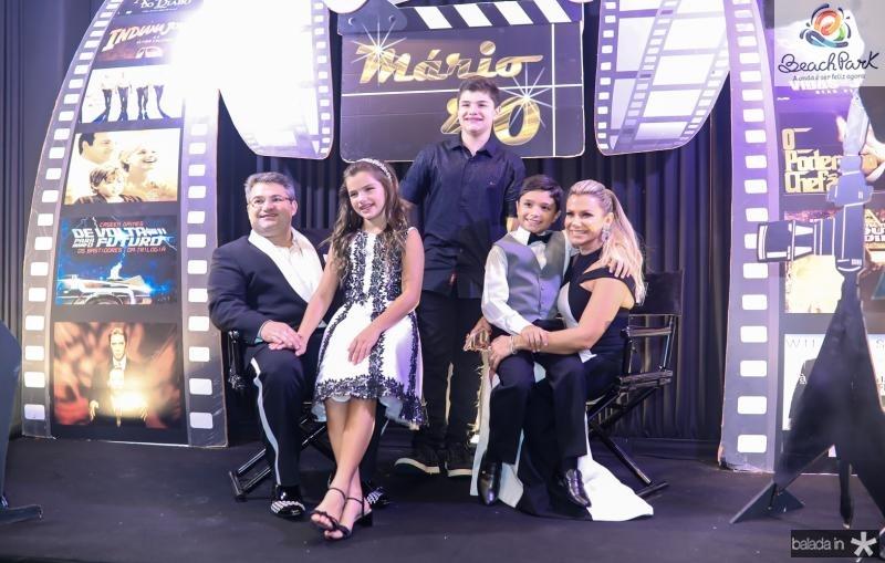 Mario, Natalia, Pedro, Deusmar e Vanessa Queiros
