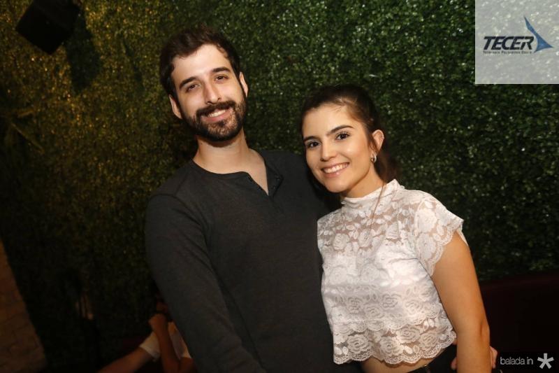 Julio Cunha e Isadora Araujo