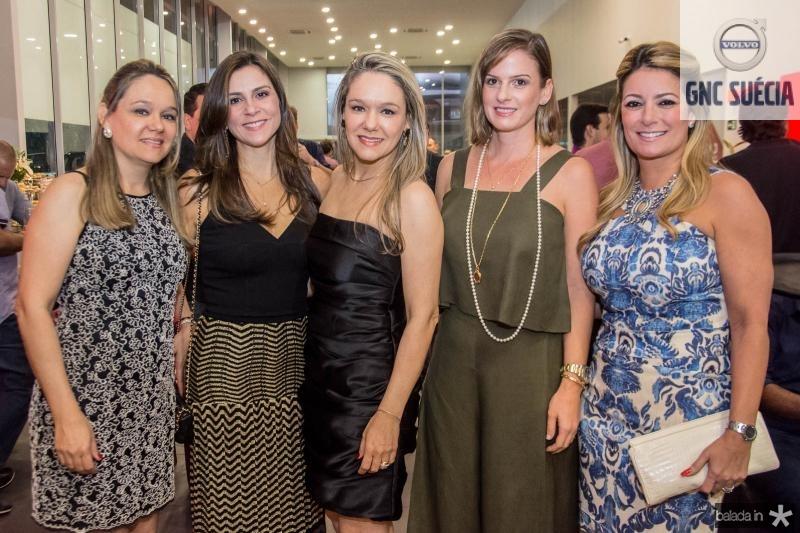 Patricia Marcan, Laura Araujo, Erika Lima, Ellen Tigre e Tatiana Luna