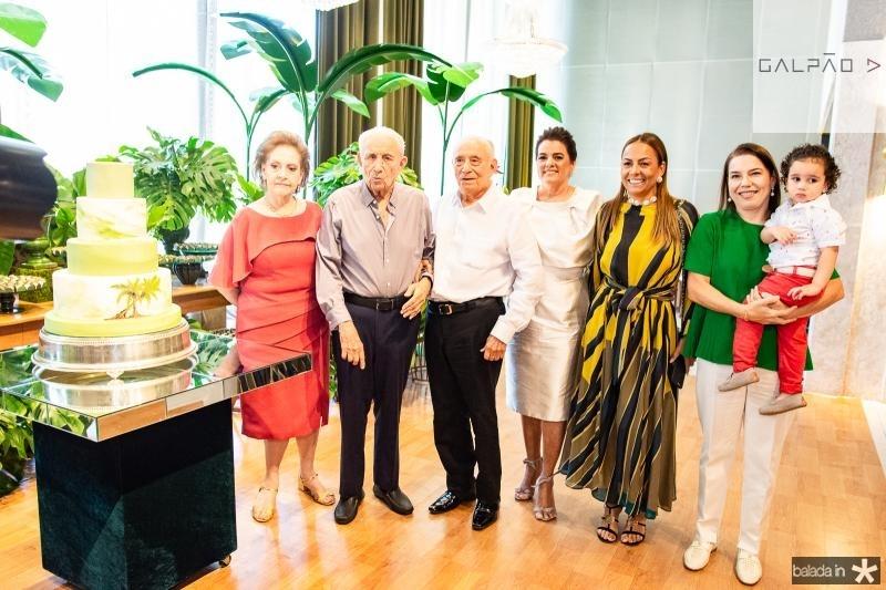 Norma Bezerra, Humberto Bezerra, Adauto Bezerra, Silvana Bezerra, Gil Santos, Denise Bezerra e Bento Bezerra