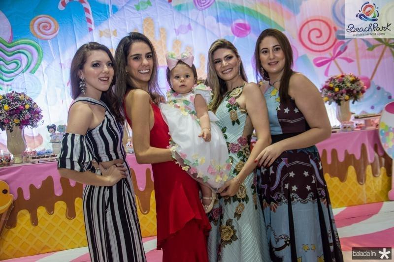 Giovana Carneiro, Vanessa Oliveira, Mirela Aragao Oliveira, Elaine Aragao e Juliana Aragao