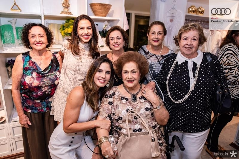 Vanda Oliveira, Beatriz Carvalho, Marilia Fiuza, Julia Philomeno, Beatriz Philomeno, Tida Leal e Glaucia Martins