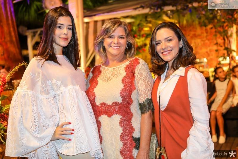 Vitoria Borba, Veronica e Carol Sampaio
