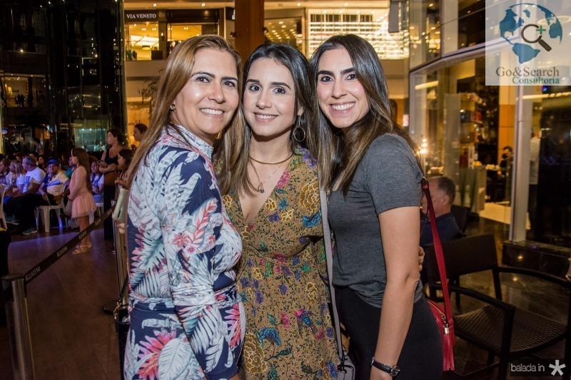 Debora, Ana Cecilia e Ana Beatriz Moreira