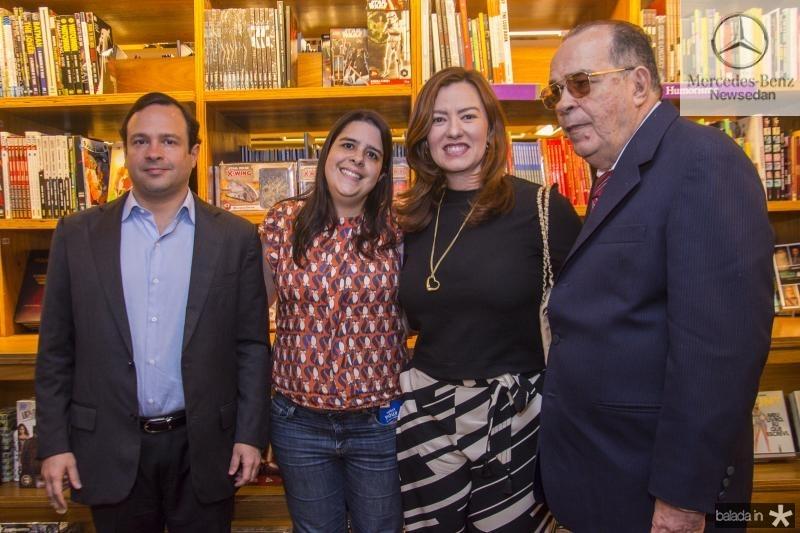 Igor, Fabiana, Aline e Regis Barroso