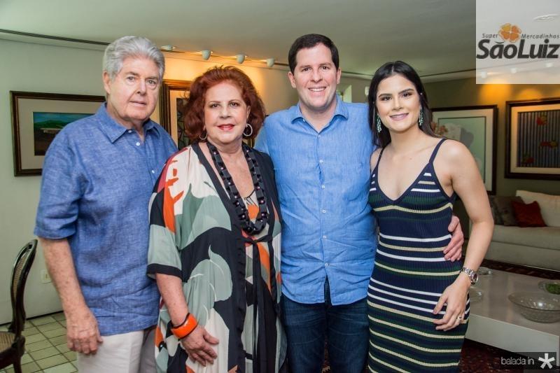 Lucio, Ana Virginia, Rodrigo e Camile Carneiro