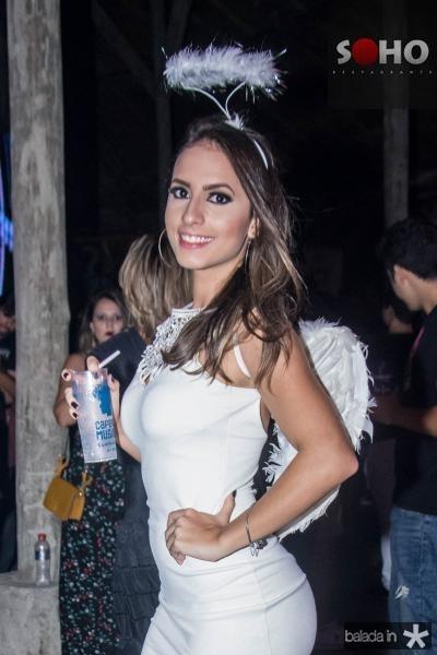 Flavia Freire