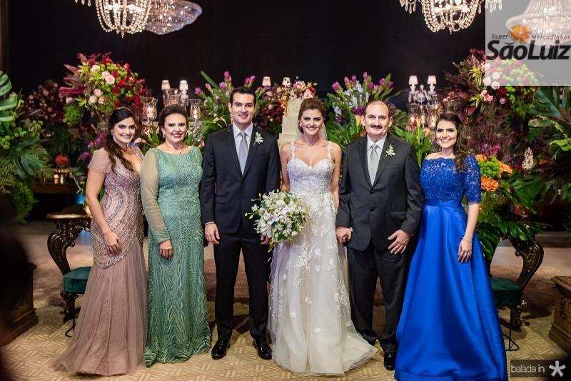 Marilia, Valeria Gomes, Jose Carlos e Isabele Studart e Franze e Marina Gomes
