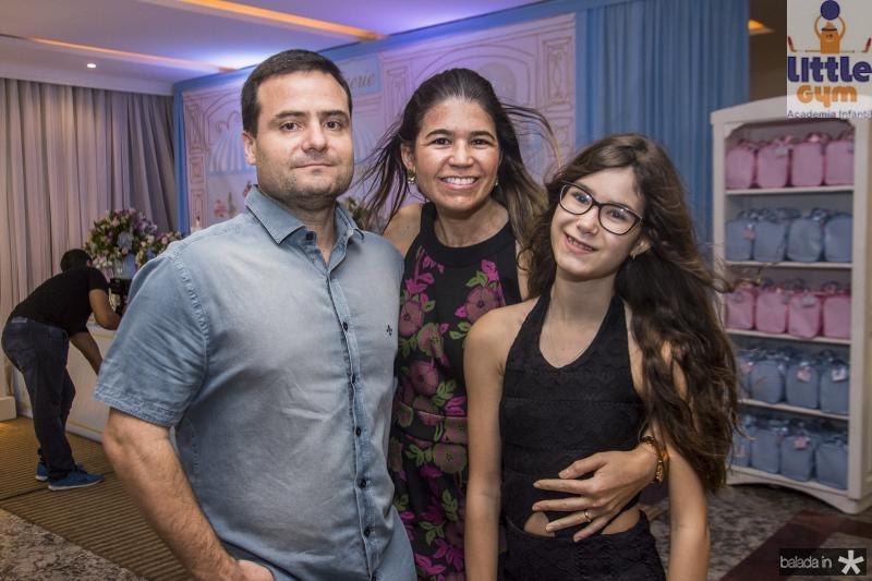 Reginaldo, Mailze e Isabela Bezerra