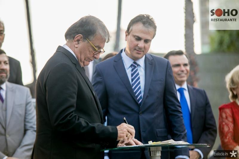 Arialdo Pinho e Camilo Santana