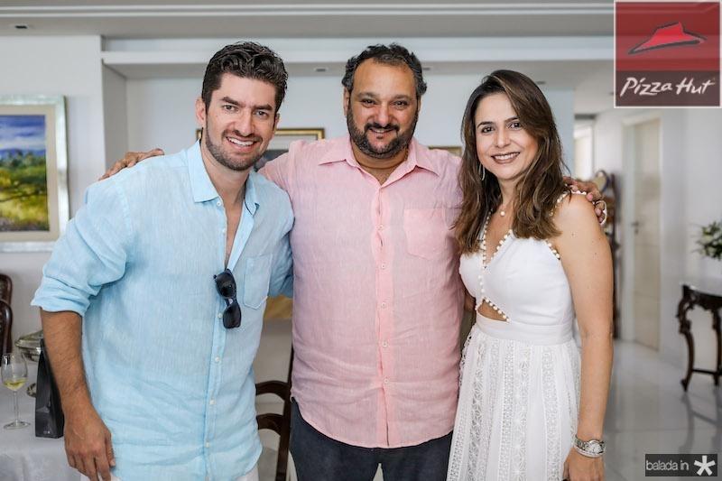 Paulo e Camila Benevides com Patriolino Dias