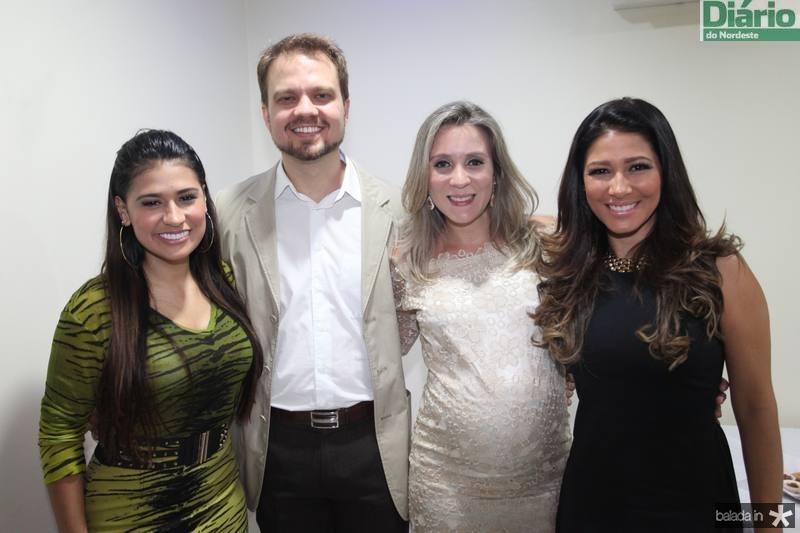 Simone, Valderi Vieira, Olga Saraiva e Simara