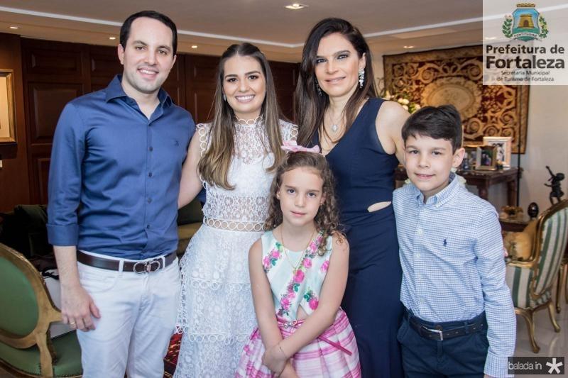 Tomas Moraes, Manuela Câmara, Gabriela, Fabiana  e Luis Eduardo Lustosa