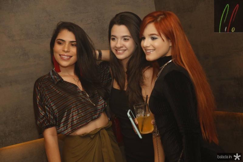 Rosana Almeida, Julia Maricato e Giovana Cordeiro