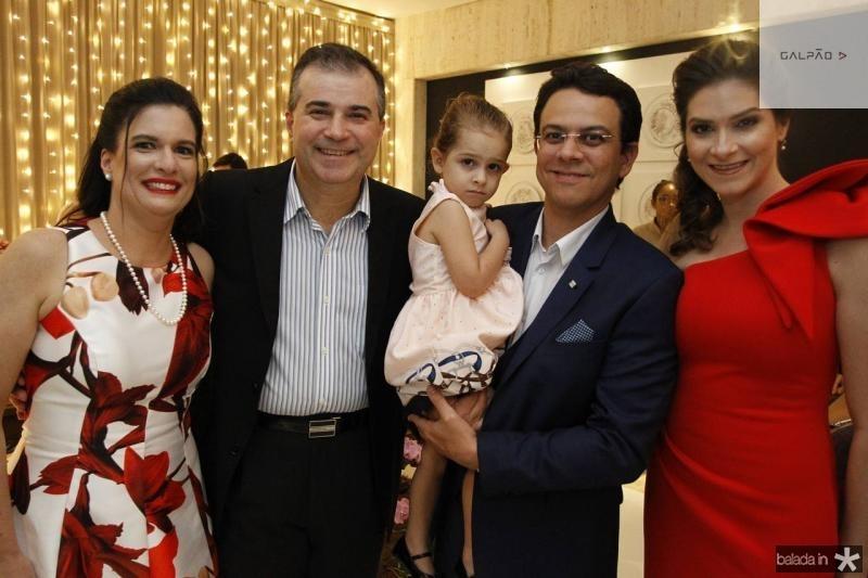 Luciana e Ricardo Bezerra, Valentina, Erik e Lia Nery