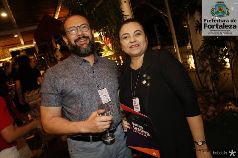 Souza e Marbenia Bastos