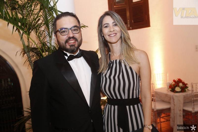 Robson Loureiro e Liana Cajaty
