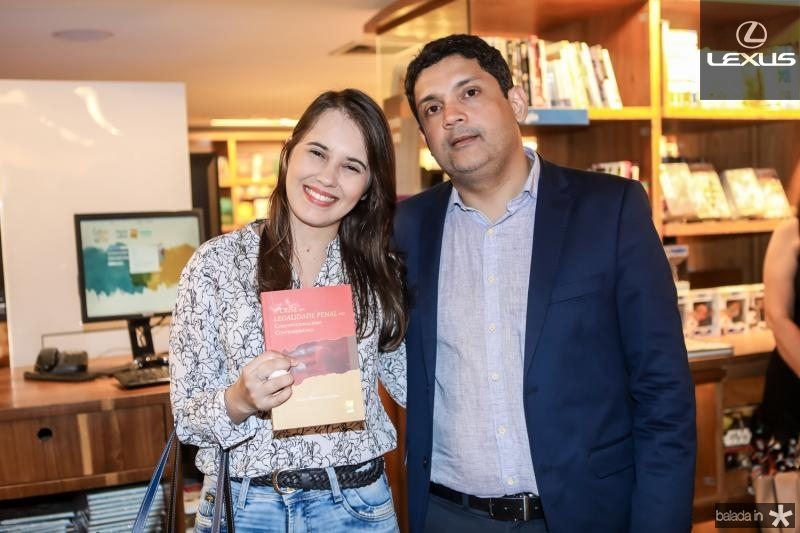 Vanessa Mesquita e Bruno Queiroz