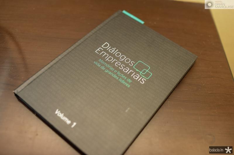 Lancamento do Livro Dialogos Empresariais na CDL