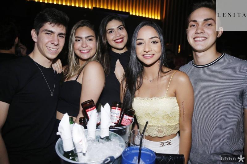 Flavio Ginfone, Marina Julia, Beatriz Machado, Gisele Lobo e Igor Aragao