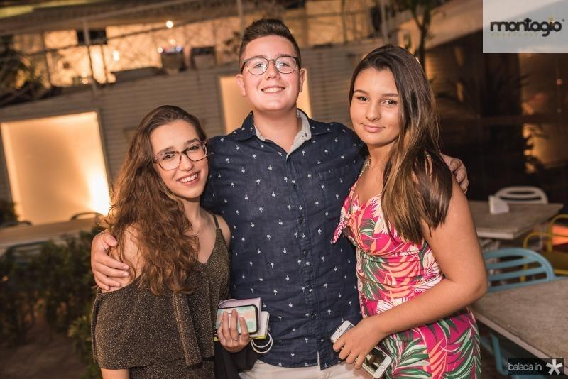 Livia Munhoes, Lucca Munhoes e Leticia Gomes