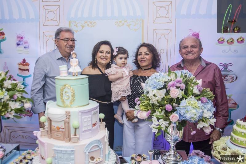 Raley Campos, Socorro Campos, Sara Sa, Eneuda Duarte e Edson Sa