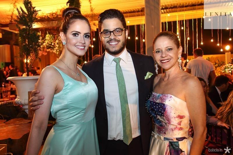 Roberta, Kadeh e Claudiana Juacaba