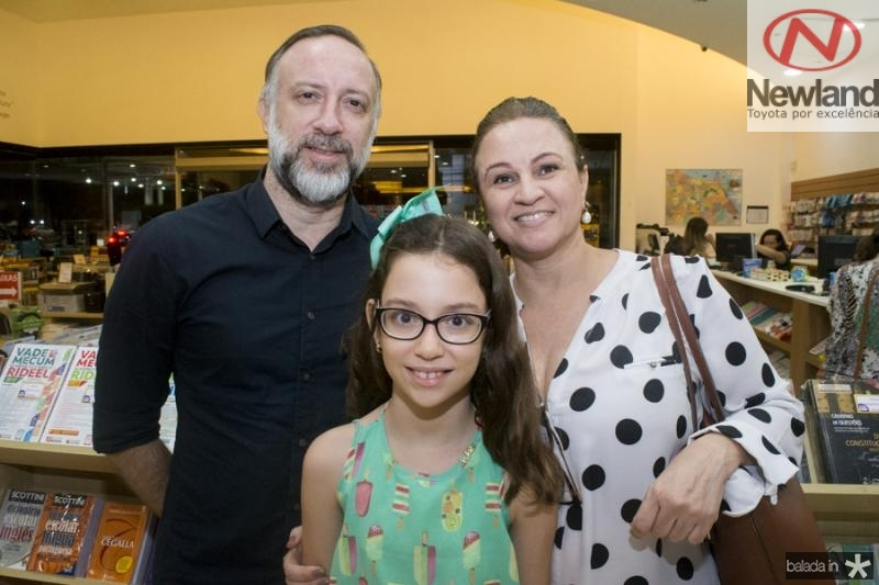 Andre e Isabele Benevides e Michele Lima