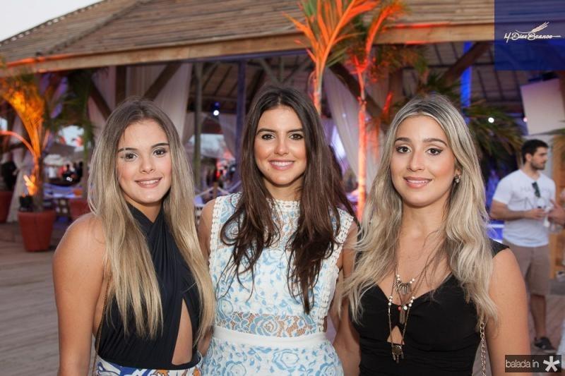 Nicole Vichnevsky,Ione Aguiar e Amanda Lopes