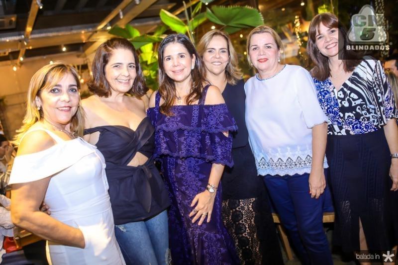 Ines Peixoto, Giana Studart, Maria Lucia Negrao, Ailza Ventura, Regis Rodrigues e Suzy Feitosa