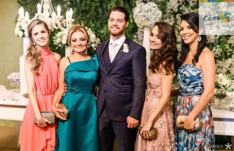 Julia, Ana Cristina, Luiz, Beatriz e Vanessa Camelo