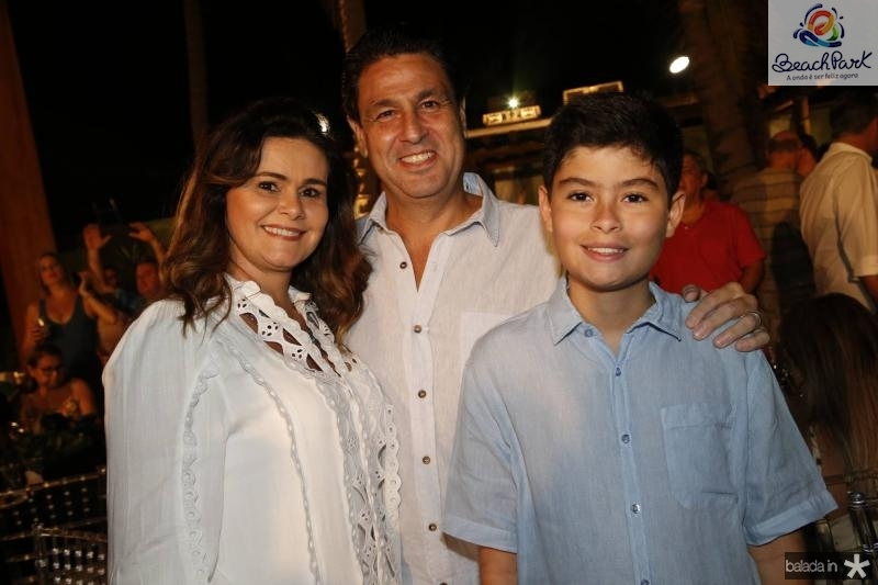 Ivana e Alexandre Rangel e Bernardo Bezerra