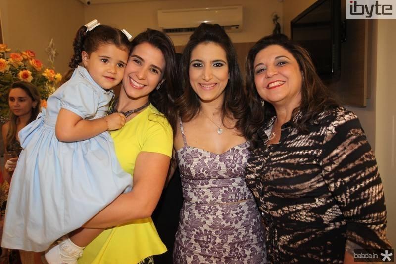 Katherine e Vivian Simões, Camila Rodrigues e Jaqueline Simoes
