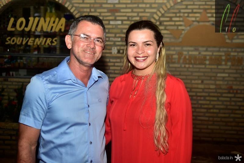 Sandro Regis e Jessica Iolanda
