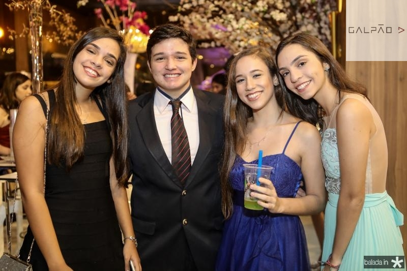 Sabrina Gomes, Caio Carbaji, Taina Oliveira e Sarah Gomes