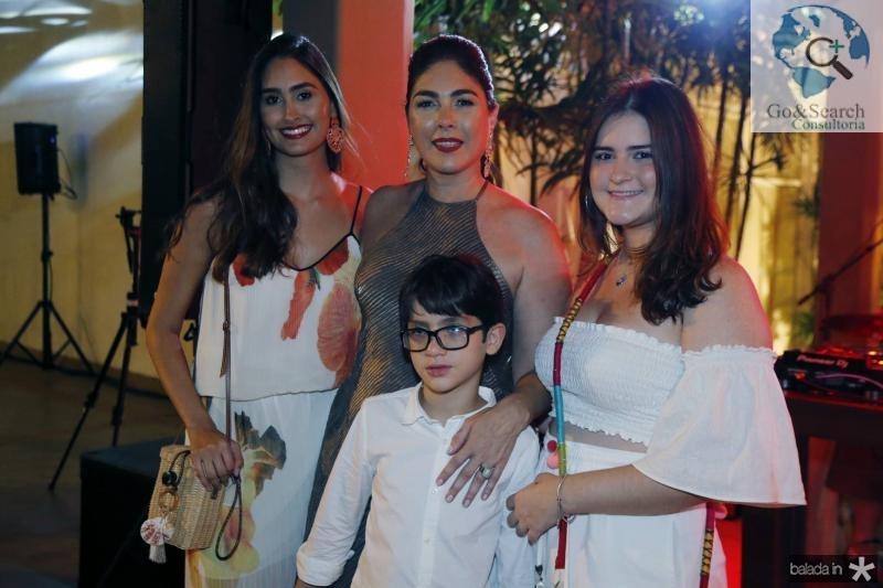 Fernanda, Izabela, Pedro e Marina Fiuza