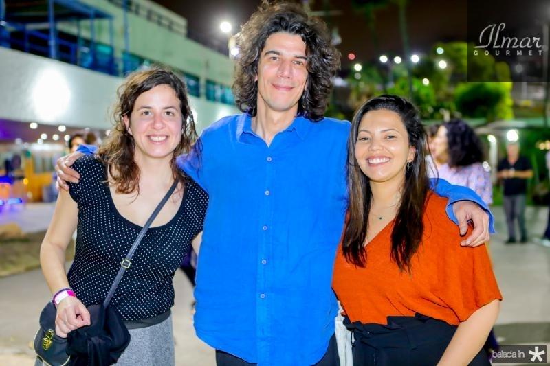 Mikaela Domingues, Leopoldo Munhoz e Barbara Dias