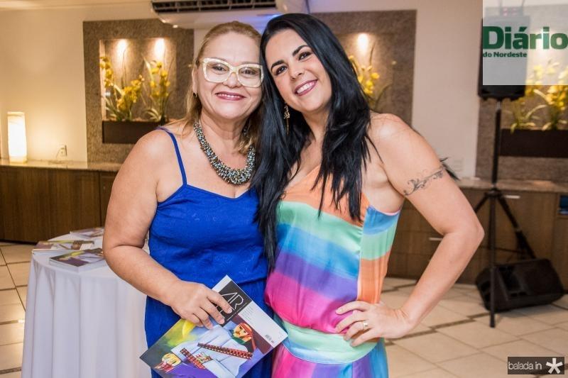 Regina Vasconcelos e Sarita Furtado