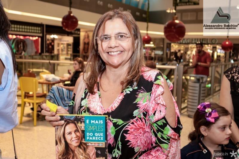 Flávia Lima
