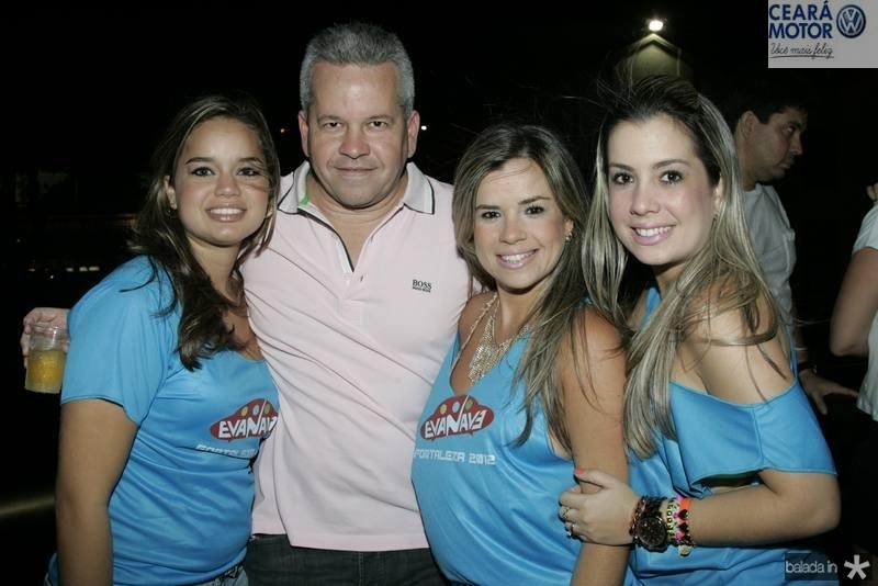 Karine, Bira e Carol Borges e Camila Tavares