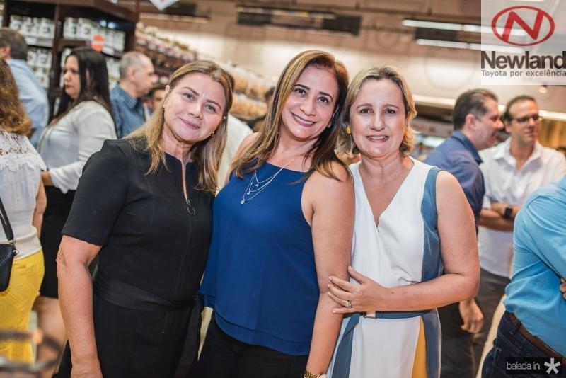 Socorro Carvalho, Jaqueline Saraiva e Ana Ramalho