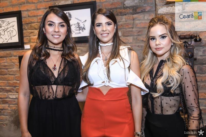 Flavia Beltrao, Yasmin Magalhaes e Lara Nobrega