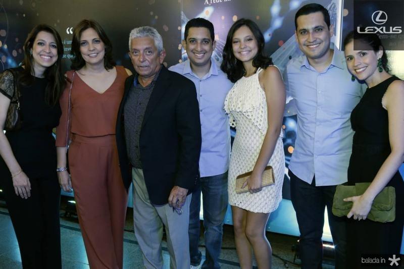 Juliana, Soraia, Tadeu, Lauro, Eduarda e Luiz Sobreira e Iris Leite