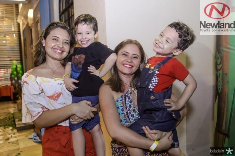 Lidia e Davi Pinheiro, Patricia e Guilherme Gomes