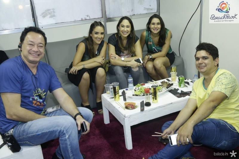 Pedro Neto, Natalia Marques, Larissa Coelho, Livia Leite e Japa