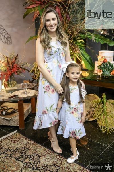 Monique Sales e Clara Teixeira