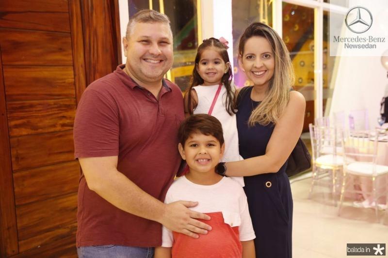 Carlos Henrique, Luis Henrique, Maria Luiza e Aline Veras 1
