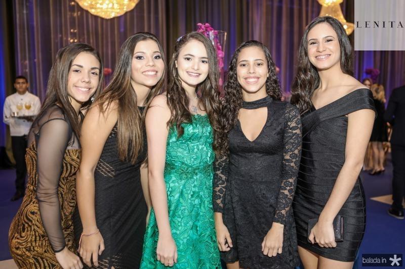 Julia Lima, Yzadora Moura, Larissa Cruz, Luiza Assunçao e Maria Clara Rios