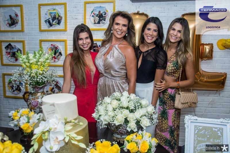 Julia, Alexandra, Marcela e Mariana Pinto