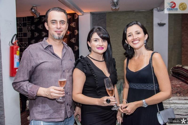 Doulgas Albertini, Priscila Albertini e Ana Canafisto